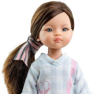 Кукла Мали - швея с серо-голубыми глазами (в фабричном наряде), Паола Рейна , 34 см