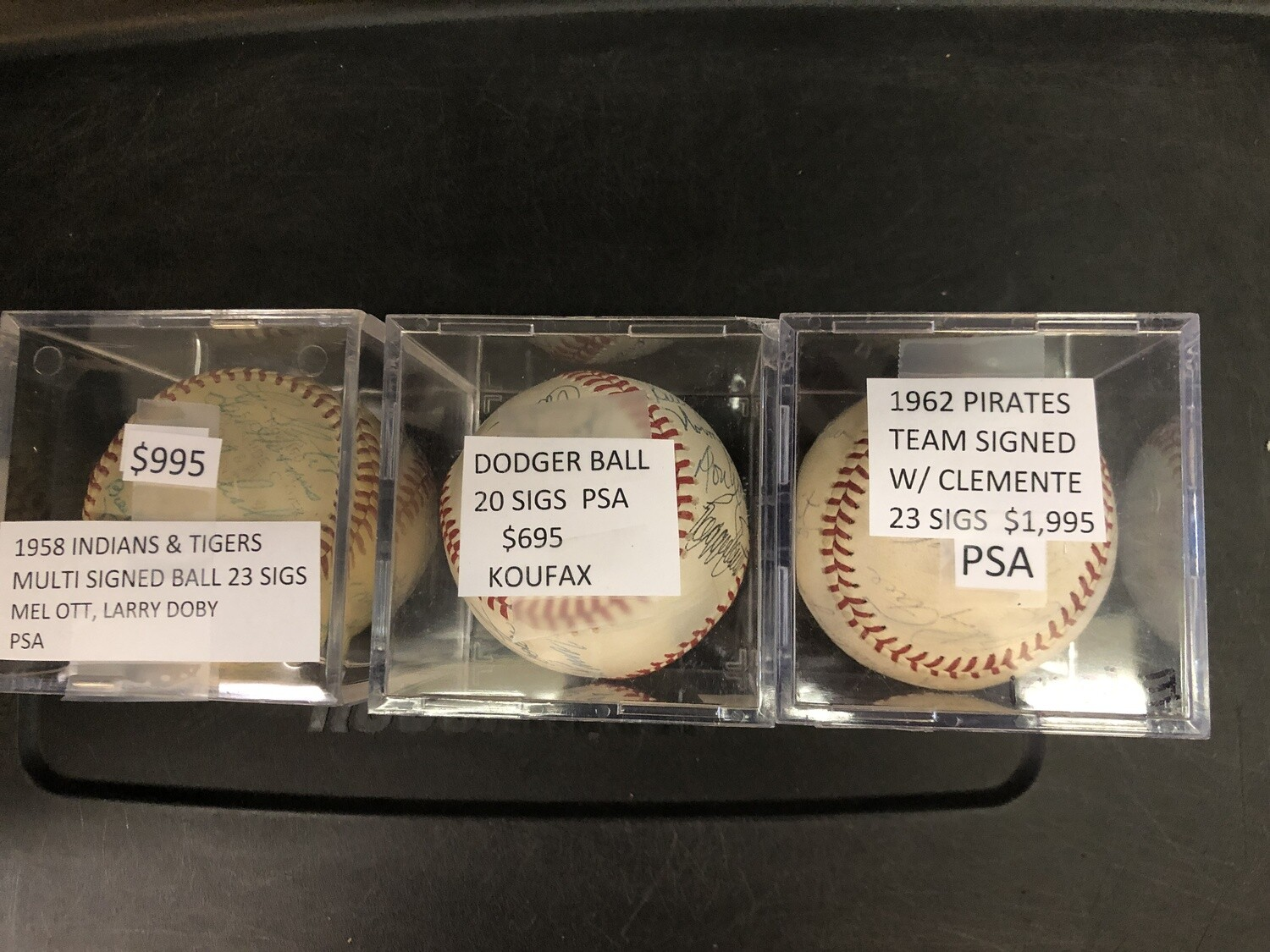 Dodgers signed ball w/ 20 sigs PSA/DNA