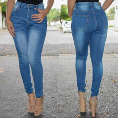 Pantalon corte a la cintura azul claro con bolsas