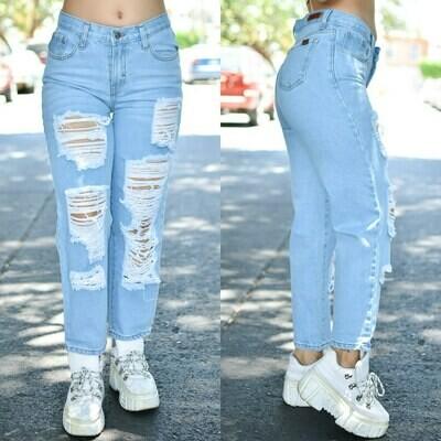 Pantalon Mom Jeans con destruccion azul claro modelo 01420