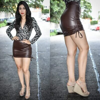 🎀 Falda de vinipiel cafe modelo 01590🎀