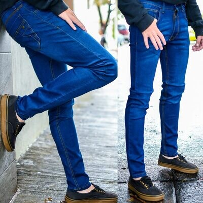 Pantalon para caballero Corte Skinny azul claro  Modelo 01675