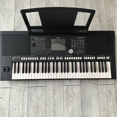 YAMAHA PSR S950 - Keyboard