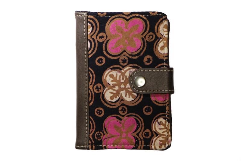 Batik Passport Holder - Pink Anggerik
