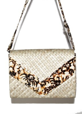Mengkuang Sling Bag - Natural Colour