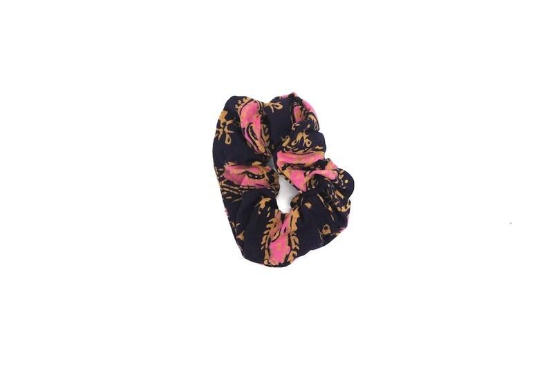 Batik Scrunchie - Pink Teratai Kepala 2