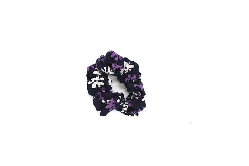 Batik Scrunchie - Purple Bouton d'Or