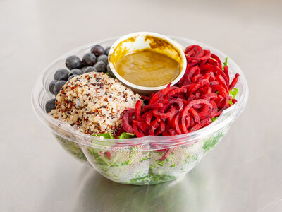 Superfood salad with Quinoa and blueberries