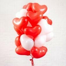 Композиция из воздушных шаров «Сердца красные и белые» 20 шт. №185