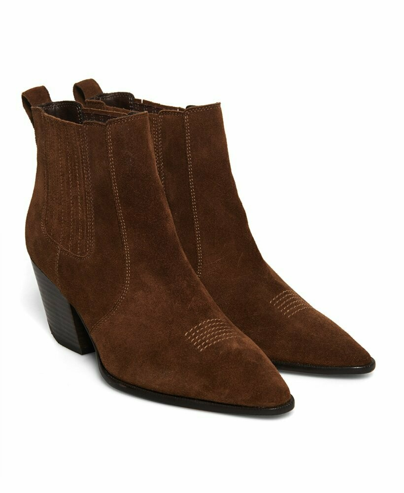 The Edit Chunky Chelsea Boot