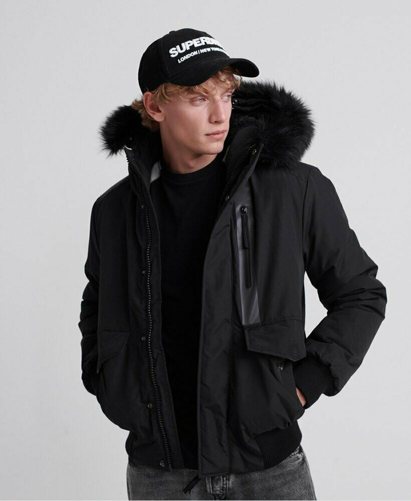 Everest Bomber Jacket negra
