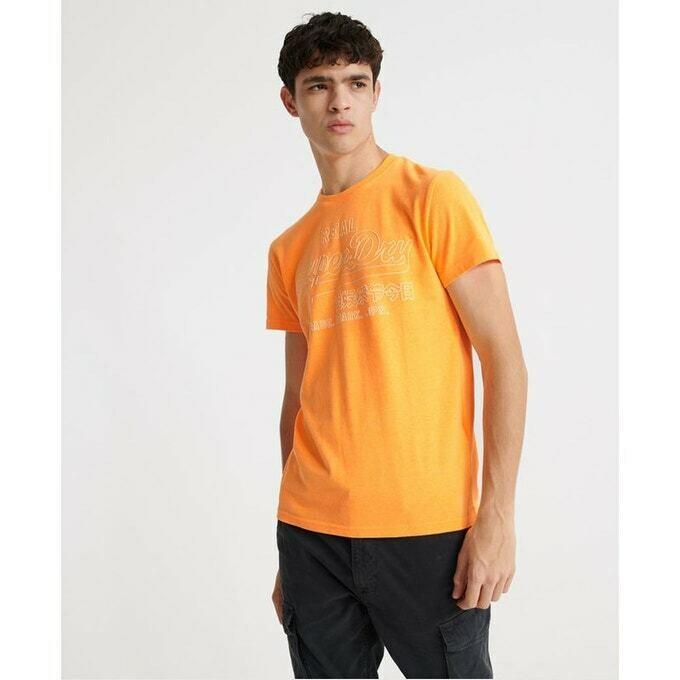 Camiseta outline pop volcanic orange