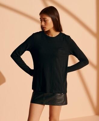 Camiseta de manga larga y cuello redondo, confeccionada en algodón organico