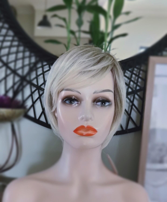 Light Blonde Mix Pixie Cut
