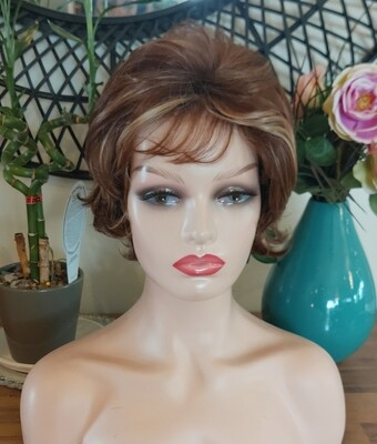 Copper with Highlights Wavy Pixie Cut