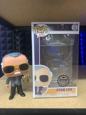 Custom Stan lee With Infinity Gauntlet