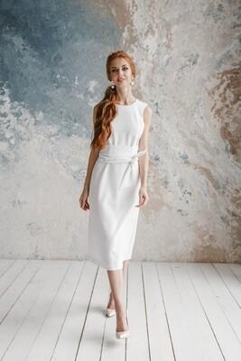 Платье-футляр Madeleine