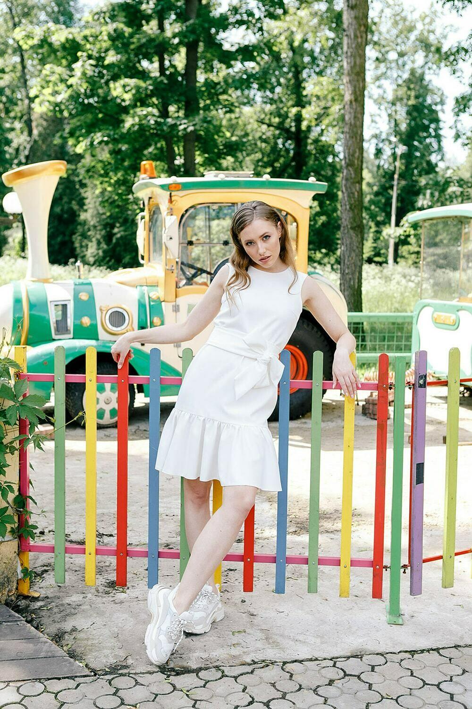 Платье c воланом Madeleine