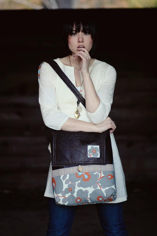 SEL - Messenger Bag