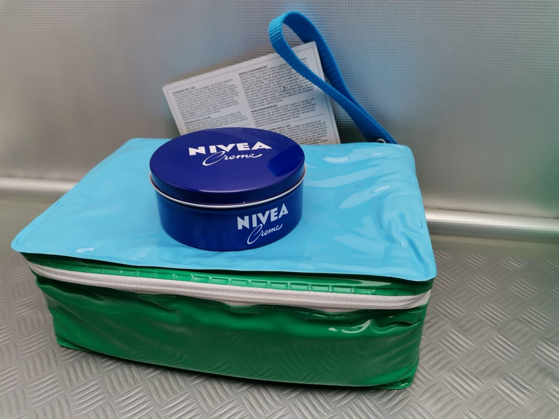 NIVEA CREMA CLASS 250 + Borsa termica