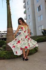 Vestido Crudo con rosas rojas