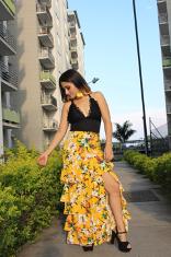 Falda amarilla con flores