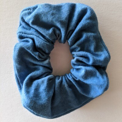 SCRUNCHIE - HAND-DYED + NATURAL DYE - BLUE