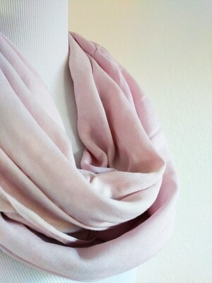 INFINITY SCARF - NATURAL DYE - PASTEL VIOLET