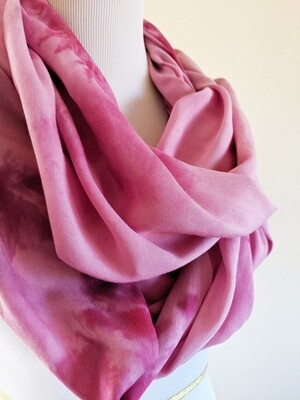 INFINITY SCARF - NATURAL DYE - MAGENTA PURPLE