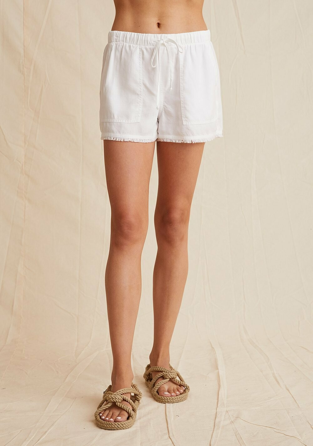 frayed hem pocket short white