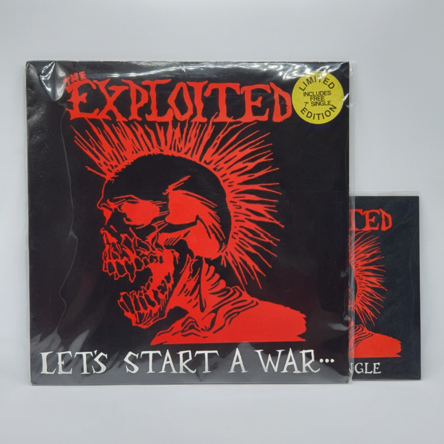 THE EXPLOITED -LETS STARTA WAR...- LP + 7 INCH