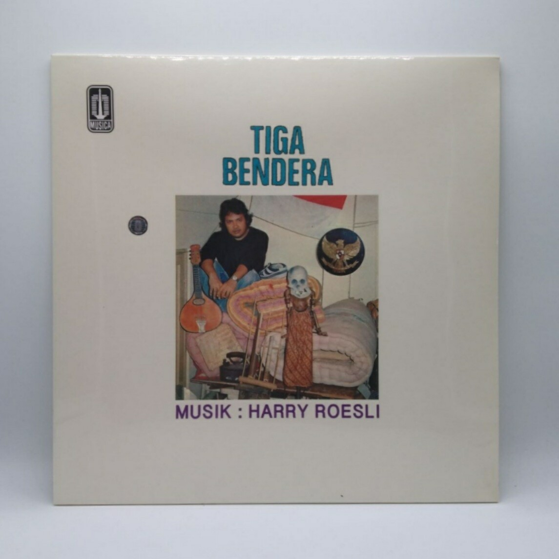 HARRY ROESLI -TIGA BENDERA- LP