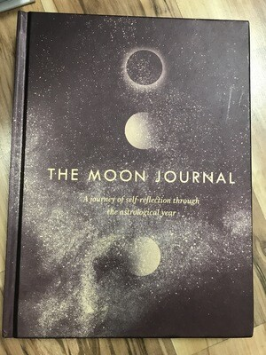 The Moon Journal - A Journey of Self-Reflection through the Astrological Year