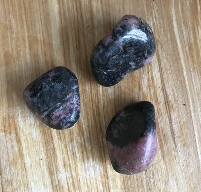 Rhodonite - tumbled