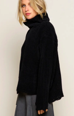 Distrissed Chunky Turtleneck Sweater - Black