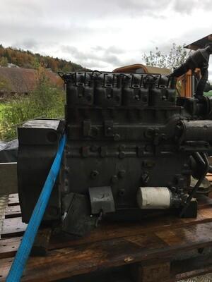 Motor 4 Zylinder MWM  zu FENDT 4S