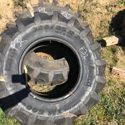 Pneu Pirelli 320/85R26