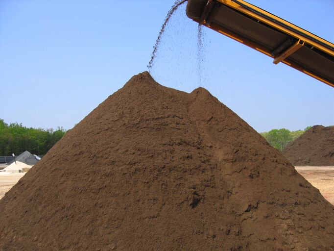 Delivered Premium Bulk Topsoil (Per Yard)