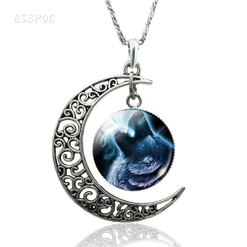 Necklace Cresent Moon & Wolf