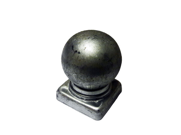 Крышка с шаром на трубу 20*20 мм
