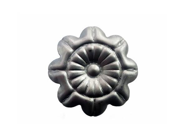Цветок штампованный 60*3 мм