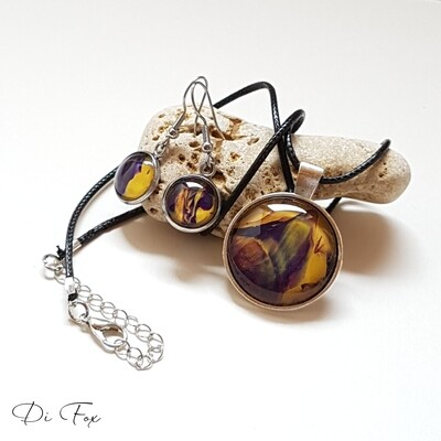 Purple and Yellow gold necklace pendant and earring set