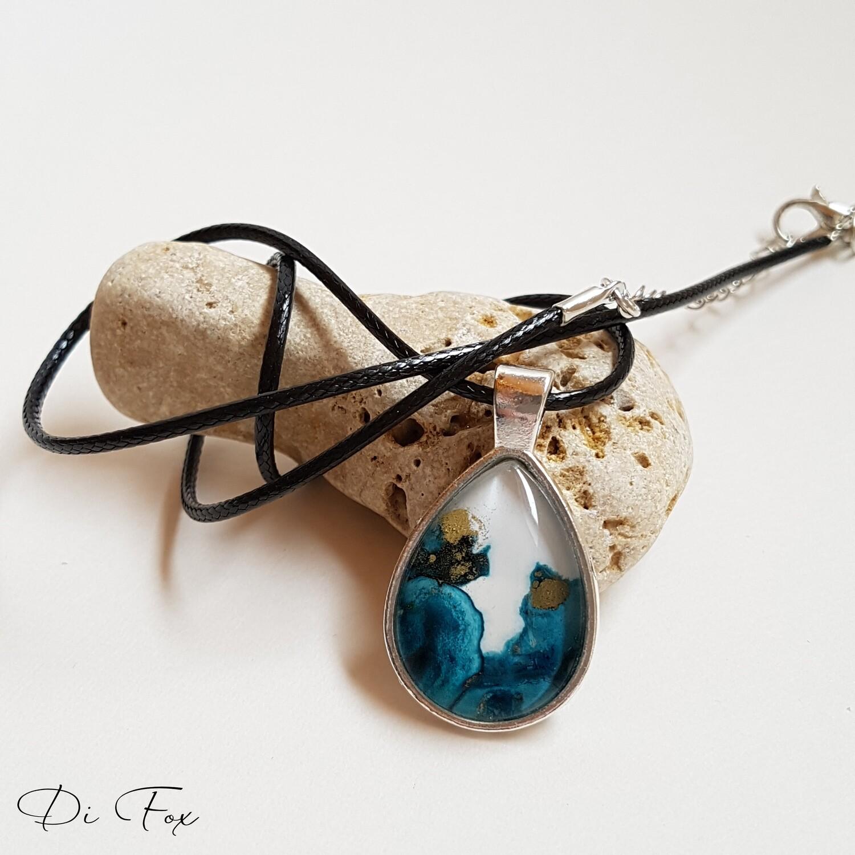 Blue white gold teardrop pendant necklace