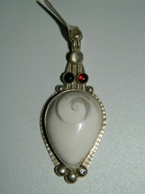 Shiva eye Hecate pendant (CT)