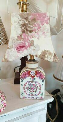 Petite lampe, pied en porcelaine époque 1900