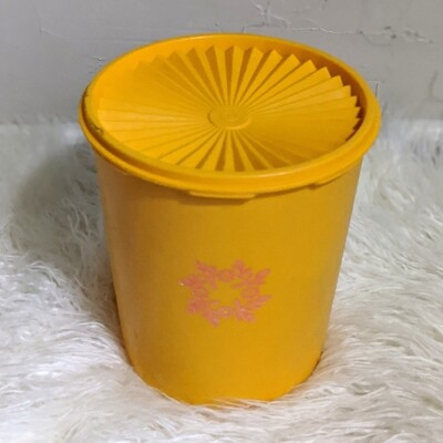 Tangerine Tupperware Cannister - 6 Quart
