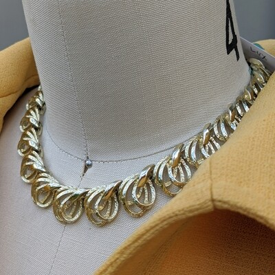 1960s White Gold Looped Leaf Necklace