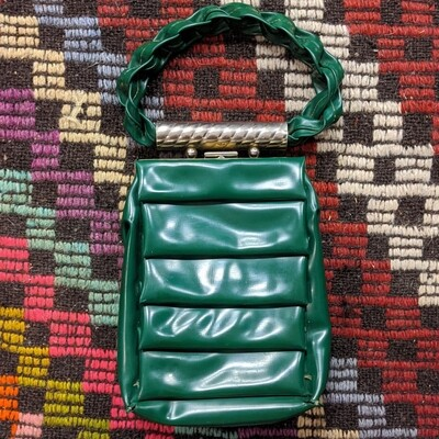 Green Woven/Folded 1960s Faux Leather Purse/Wristlet