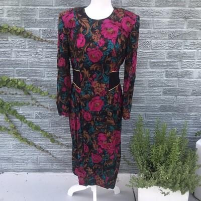 Vintage Floral Dress w/ Accented Waist