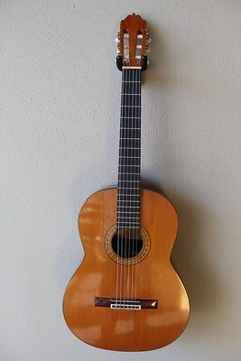 Used Iznaola Classical Guitar made in 1982